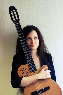 Csilla Otvos Guitarist